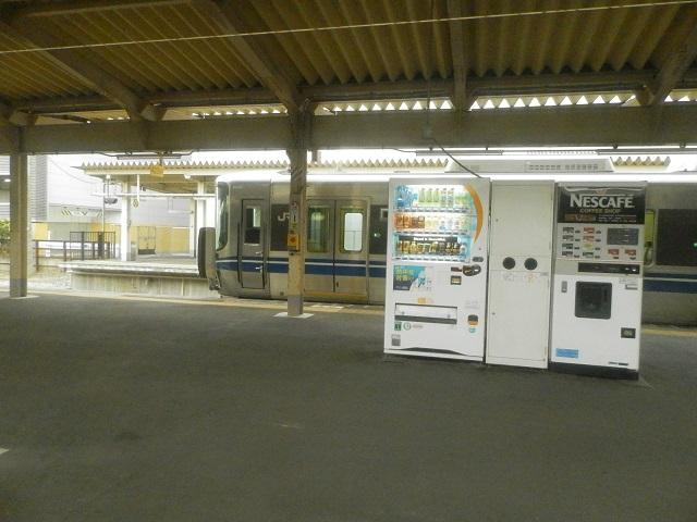 高岡駅で見た新鋭車両